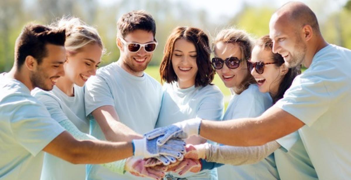 Healthcare Administration and Volunteering: How You Can Get Involved