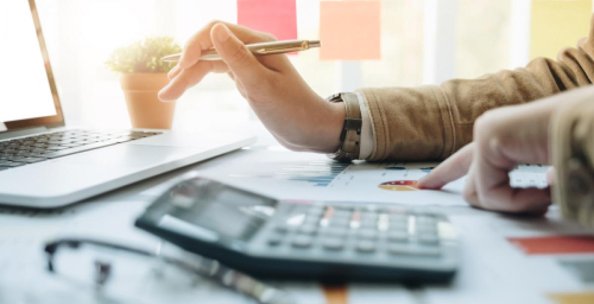 How Can an Associate of Arts in Accounting Help Me Become an Accountant?